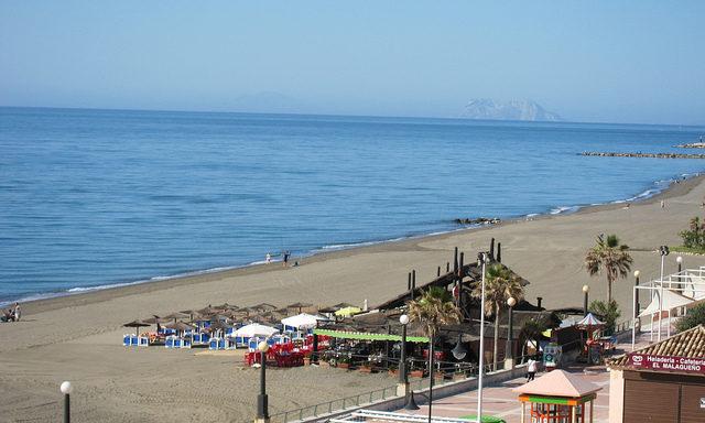Пляжи Эстепоны
