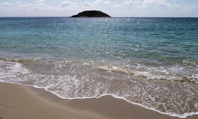 Пляжи Магалуфа
