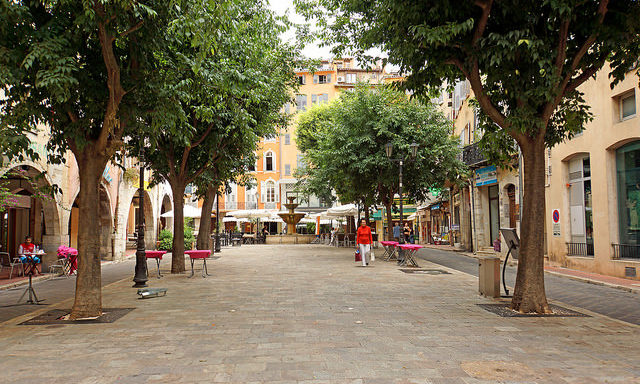 Площадь в центре Грасcа