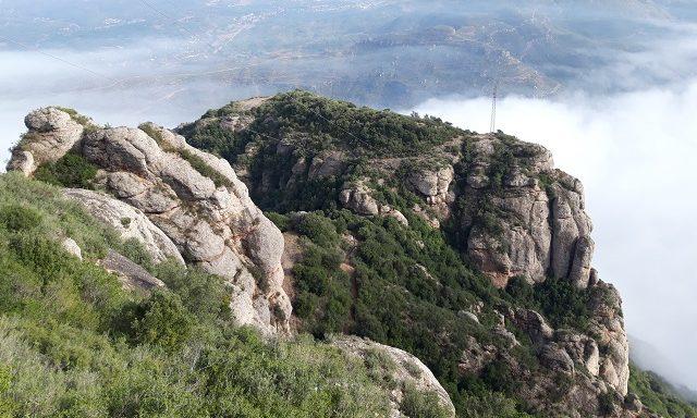 Виды на долину с вершины Монтсеррат