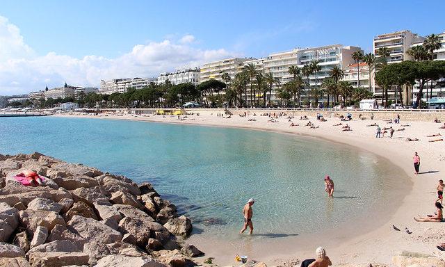 Один из пляжей в Каннах