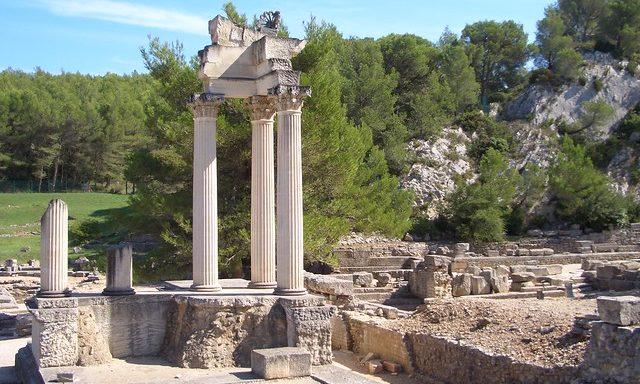 Археологический парк Гланум в Сен-Реми-де-Прованс