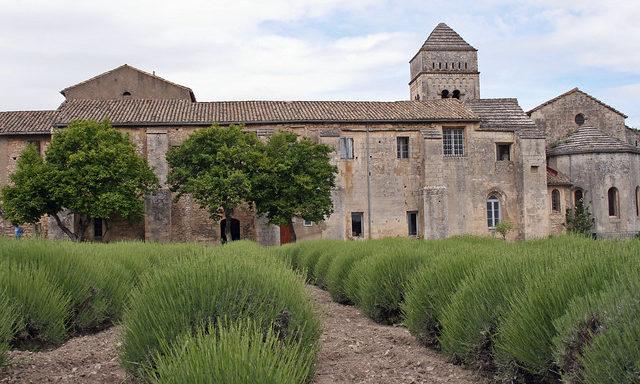 Монастырь в Сен-Реми
