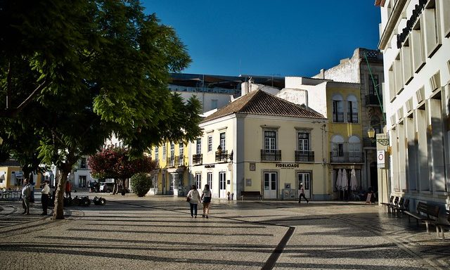 На улочках города, Фару, Португалия